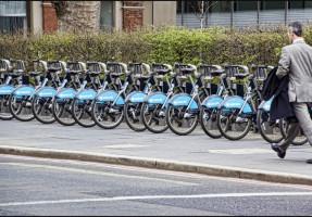 Hållbara persontransporter i ekomobila stadsområden